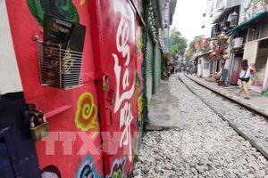 Khu vực cà phê đường tàu tại Hà Nội bắt đầu bị phong tỏa