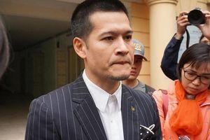Hoãn xét xử phúc thẩm vụ kiện bản quyền giữa đạo diễn Việt Tú và công ty của 'chúa đảo' Tuần Châu