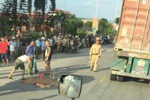 Đi bộ sang đường, một học sinh lớp 3 bị xe container đâm tử vong