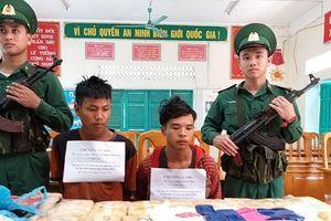 2 đối tượng người Lào vận chuyển 100.000 viên ma túy