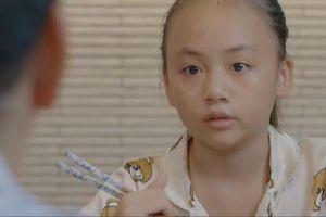 'Hoa hồng trên ngực trái' tập 20: Con gái bị bệnh tim nghẹn ngào hỏi 'bố sắp có em trai nên không cần mẹ và con'