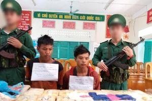 Hai người Lào mang 100.000 viên ma túy thâm nhập biên giới Việt Nam