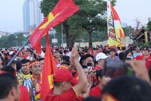 'Chảo lửa' Mỹ Đình đỏ rực trước trận Việt Nam - Malaysia