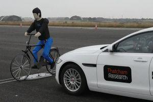 Đừng tin vào công nghệ phanh tự động của xe hơi