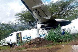 Máy bay trượt khỏi đường băng ở Kenya khi đang cất cánh