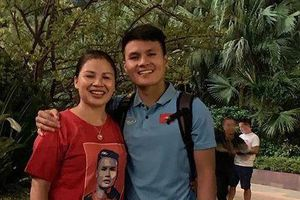 Quang Hải, Văn Hậu tri ân cha mẹ sau chiến thắng trước Malaysia