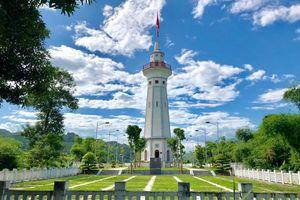 Thiêng liêng cột cờ Lũng Pô - nơi con sông Hồng chảy vào đất Việt