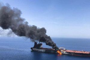 Nổ lớn trên tàu dầu Iran gần Ả Rập Saudi, nghi tấn công khủng bố