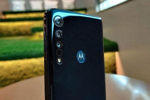 'Soi' smartphone chống nước, 3 camera sau, RAM 4 GB, giá siêu rẻ