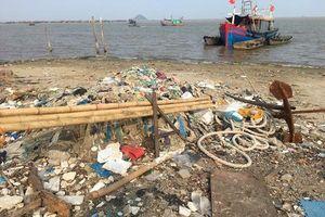 Thanh Hóa: Cần nhiều giải pháp để hạn chế rác thải tại biển Ngư Lộc