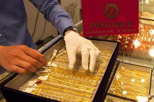 Giá vàng SJC tụt giảm mạnh tới 300 ngàn đồng/lượng