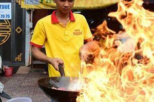 Mình ăn gì khi ăn phở giữa Sài Gòn?