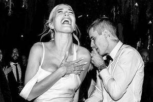 Hailey Bieber đi giày thể thao khiêu vũ cùng chồng trong lễ cưới