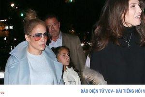 Vắng tình trẻ, Jennifer Lopez năng động ra phố ăn tối cùng con gái yêu