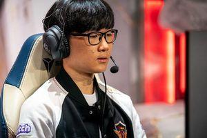 SKT khiêm tốn sau chiến thắng trước RNG: 'So với Uzi và Ming thì tôi và Teddy chỉ như những đứa trẻ vậy'