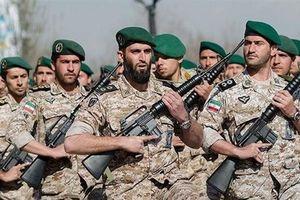 Lãnh đạo tối cao Iran kêu gọi IRGC phát triển nhiều vũ khí hiện đại