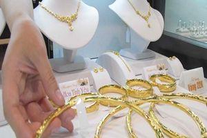 Giá vàng rủ nhau rơi tự do, về gần mốc 41 triệu đồng/lượng