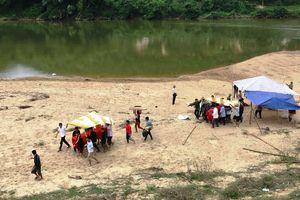 Tắm sông, 3 học sinh đuối nước thương tâm