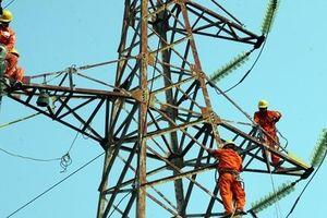 Cung đang vượt cầu, vì sao Việt Nam vẫn phải nhập khẩu điện?