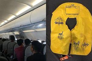 Xử phạt nữ hành khách trộm áo phao trên máy bay