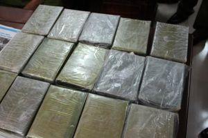 Bắt 3 đối tượng quốc tịch Lào vận chuyển ma túy trái phép