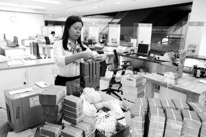 Vietcombank lãi khủng 17.250 tỷ đồng, vượt xa các nhà băng