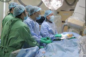 Bệnh viện công đầu tiên được chứng nhận thay van động mạch chủ qua da