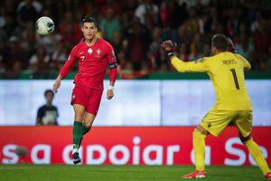 Ukraine - Bồ Đào Nha: Chờ C.Ronaldo san bằng kỷ lục 700 bàn