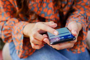 Muốn tiếm kiệm tiền và sống vui vẻ hơn, hãy bỏ ngay Facebook