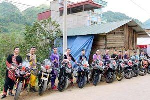 Ấn tượng với màn rước dâu bằng dàn xe motor 'khủng' ở Lào Cai