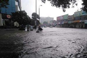 TP Vinh lại ngập nặng sau trận mưa lớn