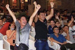 Diễn viên Lý Hùng, Tấn Beo và nhiều nghệ sĩ vỡ òa khi Duy Mạnh ghi bàn
