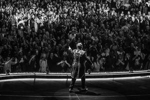 Elton John 'bóc trần' quá khứ đen tối và con đường vinh quang gai góc