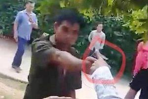Trả lời về clip công an xã chĩa súng vào người dân