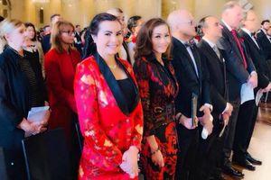 Hoa hậu Quý bà Kim Hồng đến Áo gây quỹ từ thiện