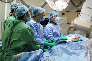 Những bệnh nhân đầu tiên được thay van tim qua da không cần mổ
