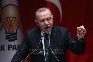 Sức ép bủa vây Thổ Nhĩ Kỳ trong cuộc chiến đơn độc ở Syria