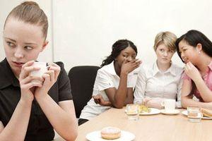 Nếu muốn tồn tại ở nơi công sở, nhất định đừng nói 3 chuyện sau