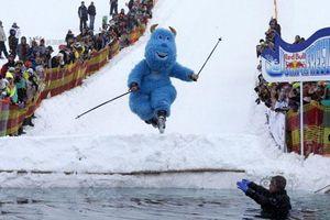 Phát sốt với cuộc thi trượt tuyết kỳ quặc nhất thế giới