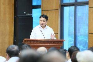 Chủ tịch Hà Nội: Đang làm rõ trách nhiệm việc để dầu bẩn trôi vào nước sạch