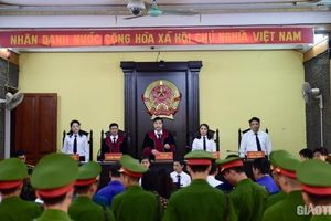 Xét xử gian lận điểm thi ở Sơn La: Vì sao nguyên GĐ Sở Giáo dục vắng mặt?