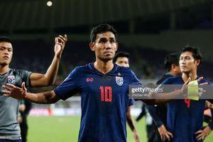 'Hung thần' của ĐT Việt Nam phá lưới UAE, Thái Lan lên ngôi đầu bảng