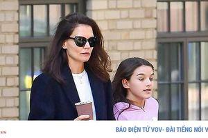 Con gái Tom Cruise ra dáng thiếu nữ, càng lớn càng xinh đẹp