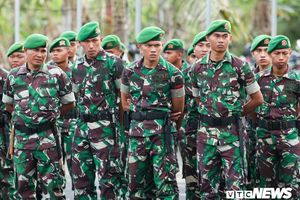 Indonesia vs Việt Nam: Lực lượng an ninh dày đặc, soi từng mét cỏ quanh sân vận động