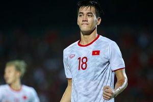 HLV Park Hang Seo nói điều gì giúp Tiến Linh 'lột xác', ghi bàn hiệp 2?