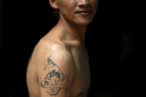 Lời tự thú của người đàn ông Việt bám gầm xe tải sang Anh trồng cần sa
