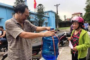 Hà Nội: Cấp miễn phí bình nước tinh khiết cho các trường mầm non