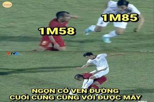 Ảnh chế bóng đá: Văn Hậu 'nuốt chửng' cầu thủ Indonesia