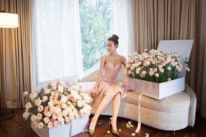 Gu thời trang của Ngân Khánh đẹp lên từng ngày sau án phạt ăn mặc hở hang