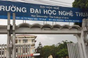 Trường ĐH Nghệ thuật (Đại họcHuế) chấm dứt hợp đồng với nhiều giảng viên vì khó khăn tài chính